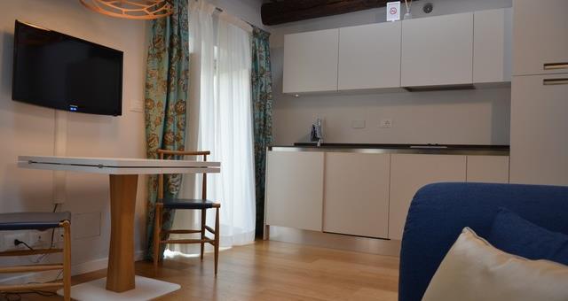 Suite venaria reale piazza vittorio suites for Piani di casa modulari con suite di lavoro